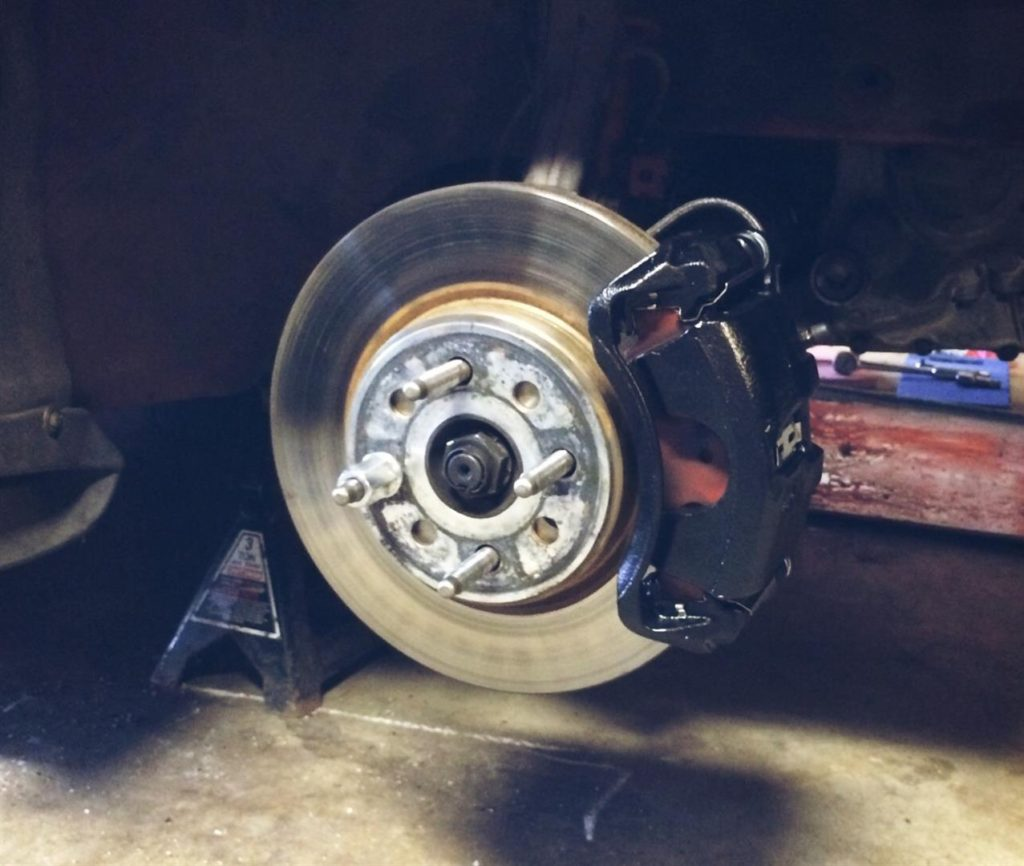 The front brakes were refreshed with new rotors, pads and calipers. This is the poor man ITR brake setup utilizing Mini rotors and the Type R caliper. The rotors and calipers are from Rock Auto and the pads are Carbotech XP10's.